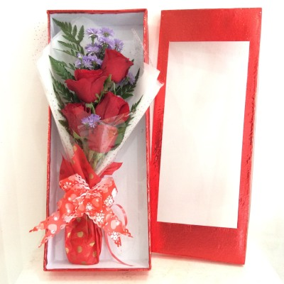5 Roses in Box