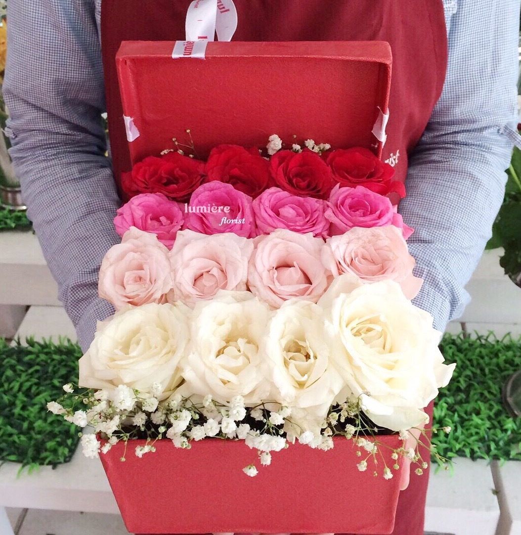 Sweet Lux Roses Box