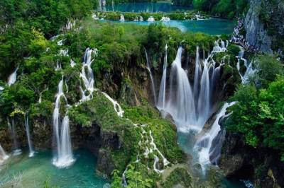 Excursion to Plitvice Lakes