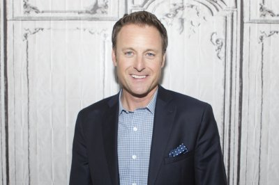 Signs You're The Ultimate Chris Harrison Fan