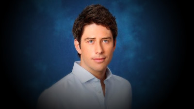 Top 10 Reasons Why Arie Is A Great Choice For The Bachelor