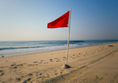 6 Relationship Red Flags You Should NOT Ignore!