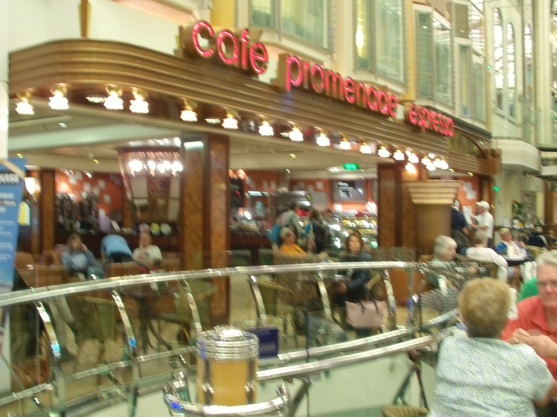 Cafe Promenade, Freedom of the Seas pictures, Royal Caribbean pictures
