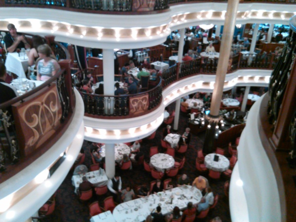 Freedom of the Seas, Main Dining Room pictures