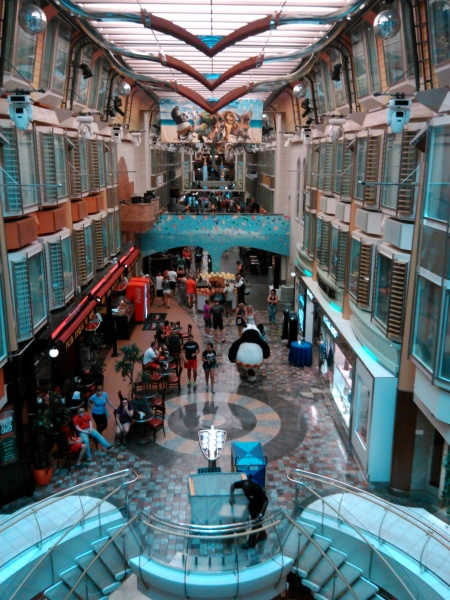 Promenade, Freedom of the Seas pictures, Royal Caribbean pictures
