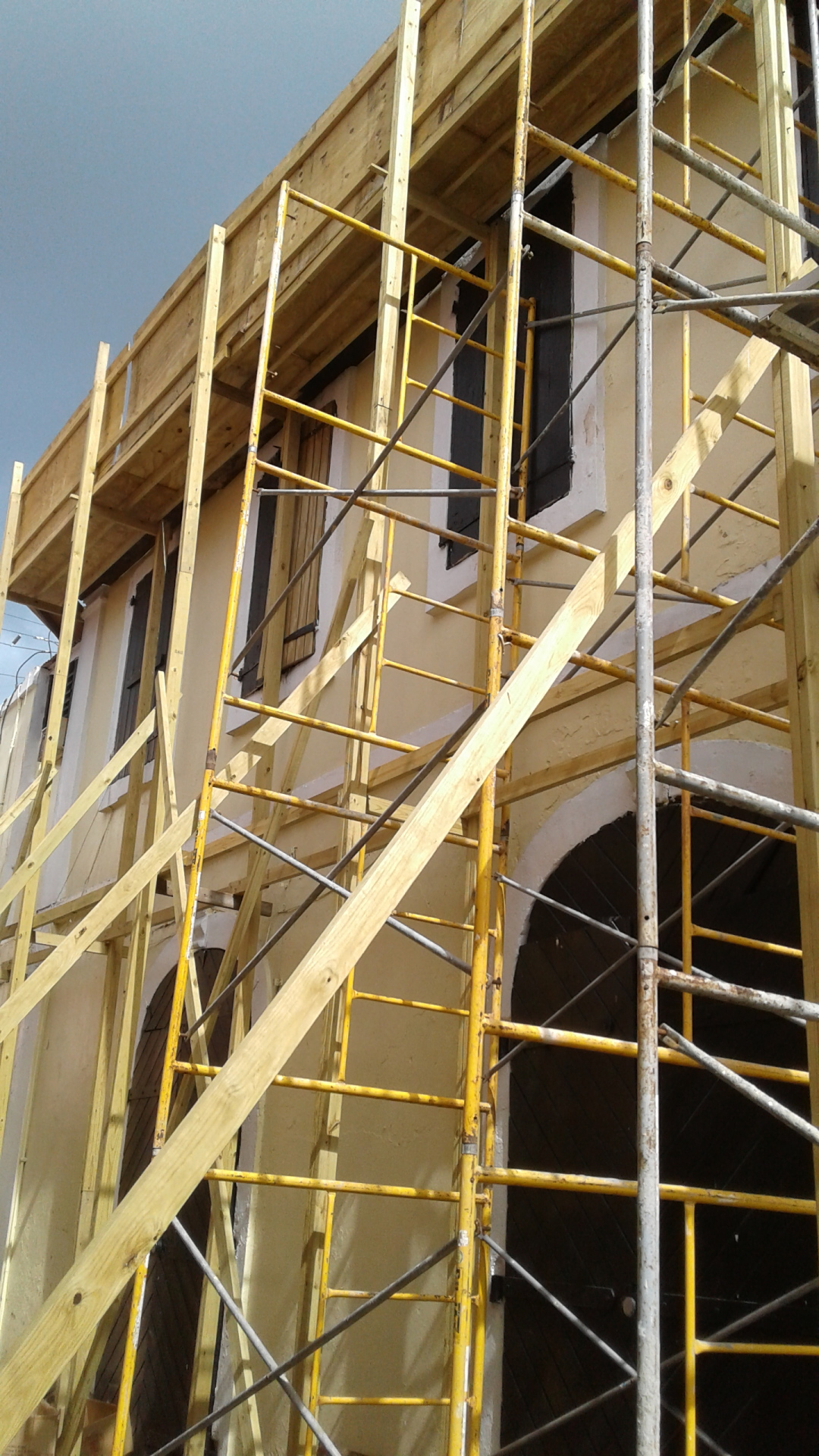 St. Thomas scaffolding