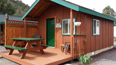 5 Small Cabins
