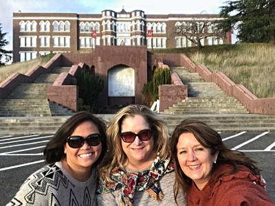 Selfie Tours are fun with your Besties!