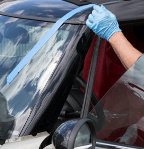 auto glass repair in Santa Clarita Area.