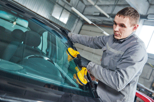 Car glass repair in Valencia ca area