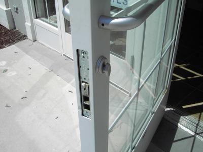 COMMERCIAL DOOR LOCK SERVICES