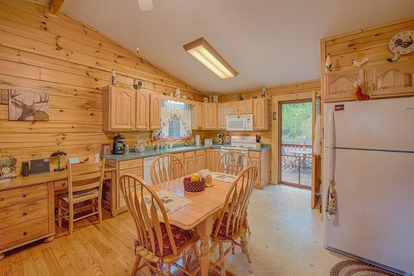 Additional Kitchen Pic