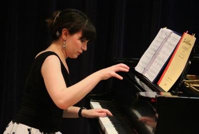 Alexis Zingale, pianist