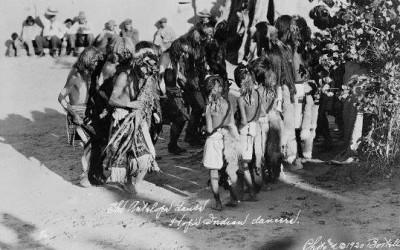NA-139 Hopi Indian dancers