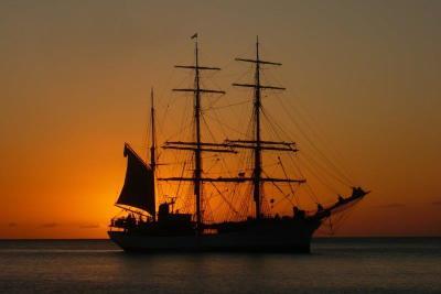 PIR-112 Ship, Sunset