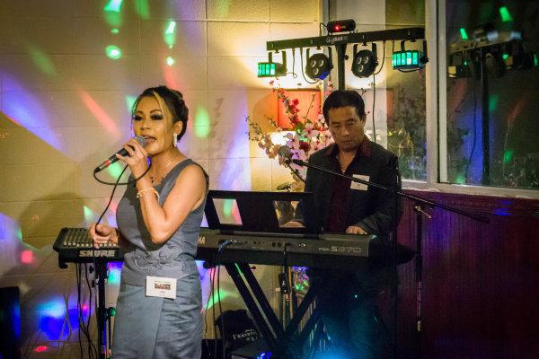 Live Band at Anh Hong