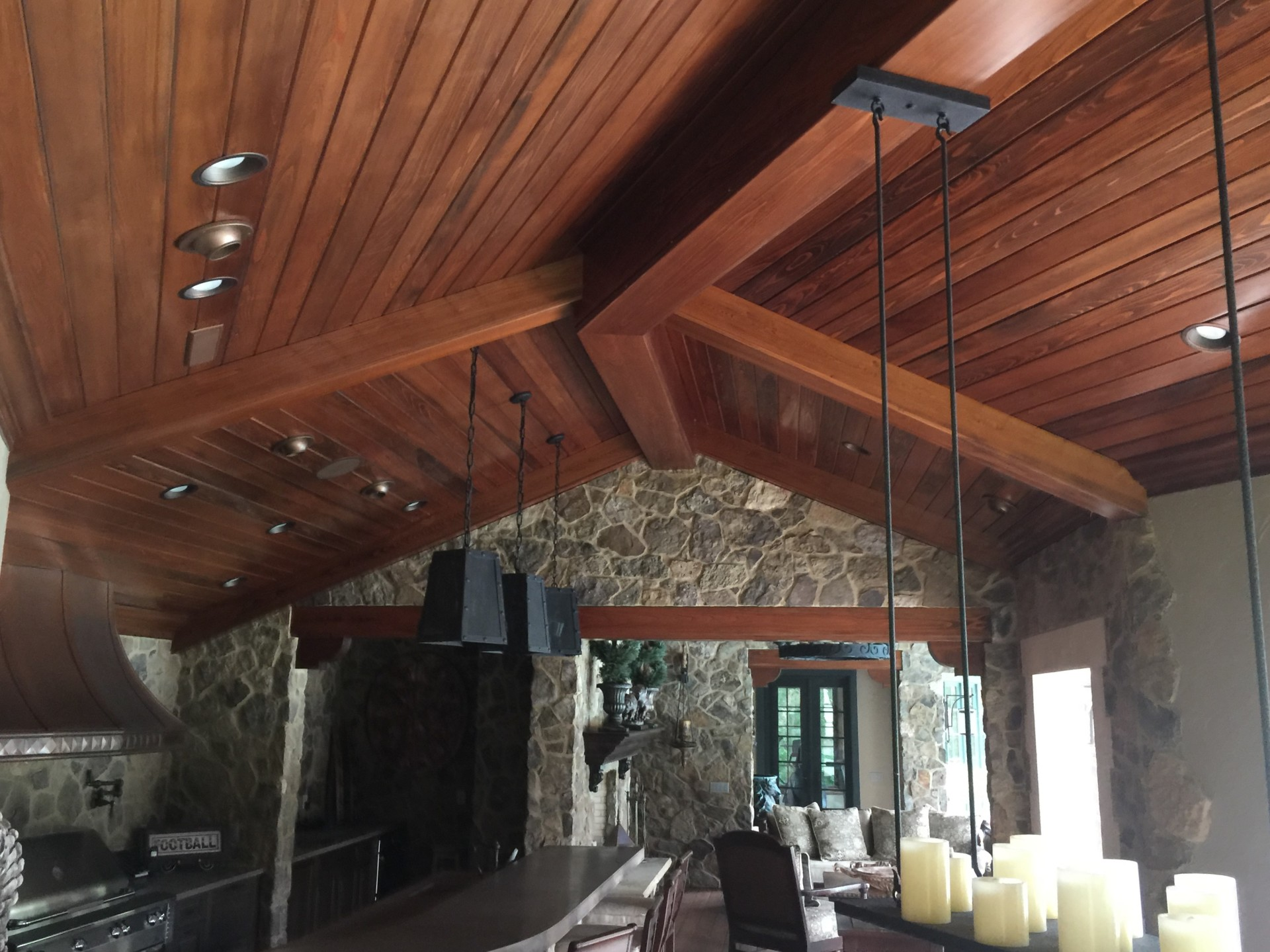 Ceiling Treatment and Beams