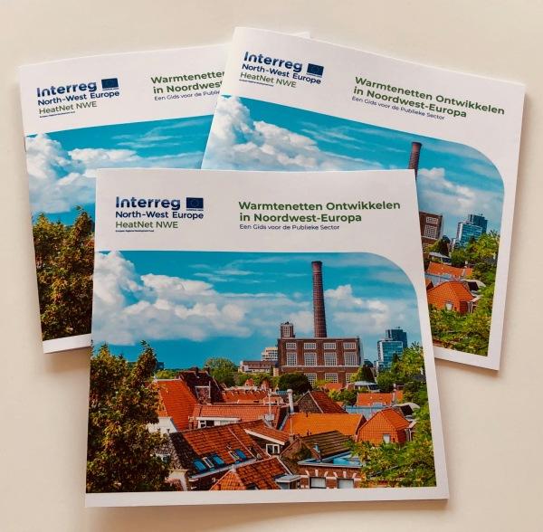 """Nieuwe brochure """"Warmtenetten ontwikkelen"""" voor publieke sector beschikbaar!"""