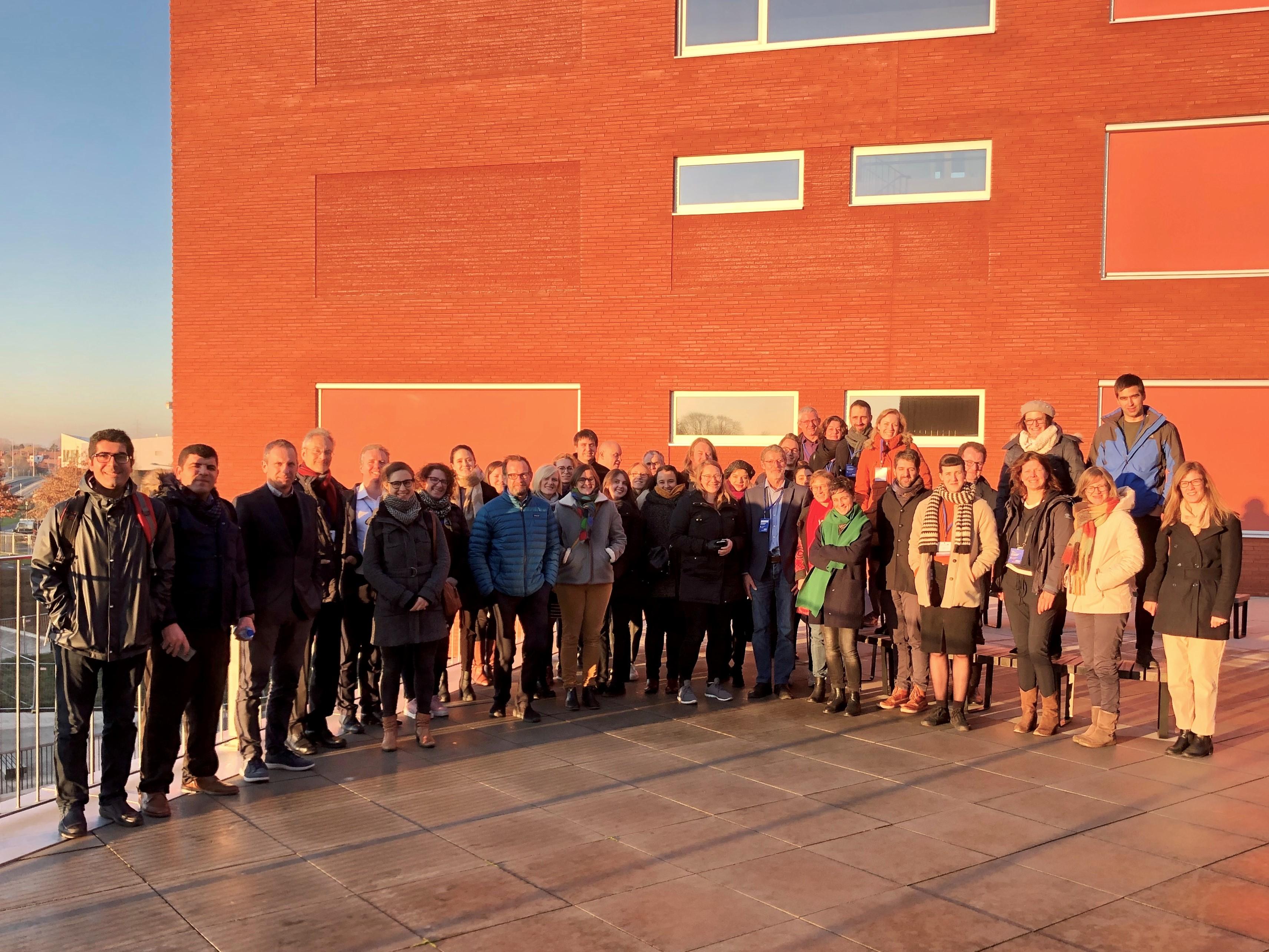 Europese delegatie bezoekt warmtenet Kortrijk Weide