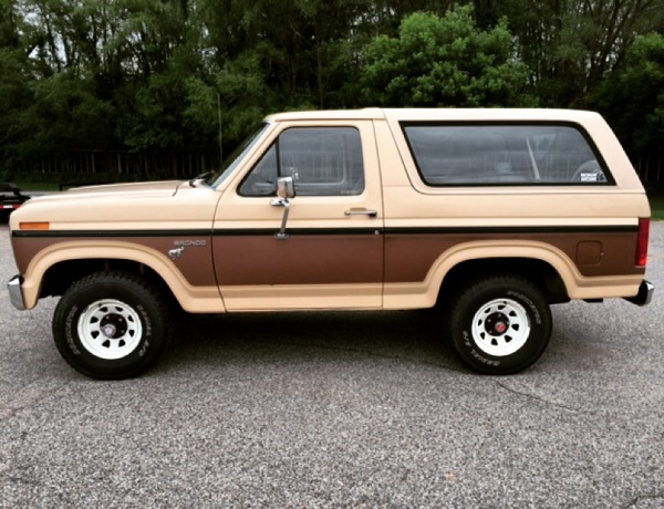 84 FORD BRONCO