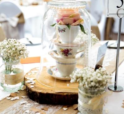 Simply stunning weddings. wedding centre piece