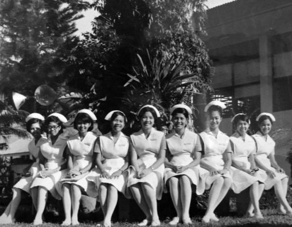 SU Nursing Students - yep that's Florence (4 left)