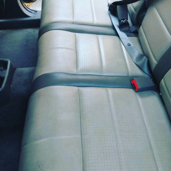 JEEP Interior Leather Clean (BEFORE)
