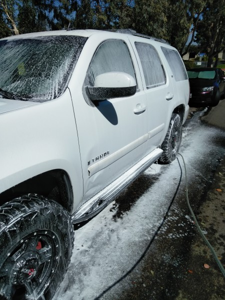 2008 Chevy Tahoe Washing This Monster Foam