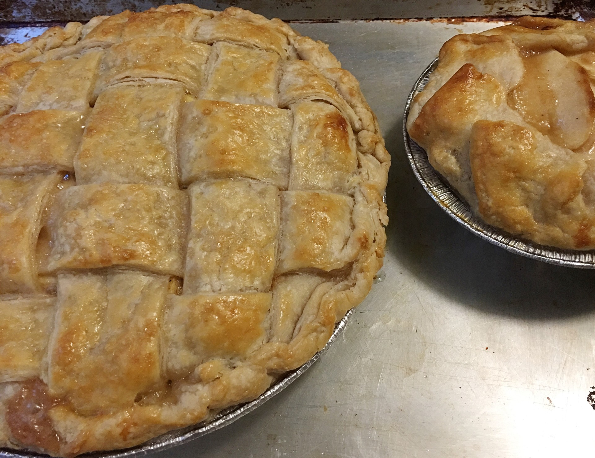 Holiday Caramel Apple Pie