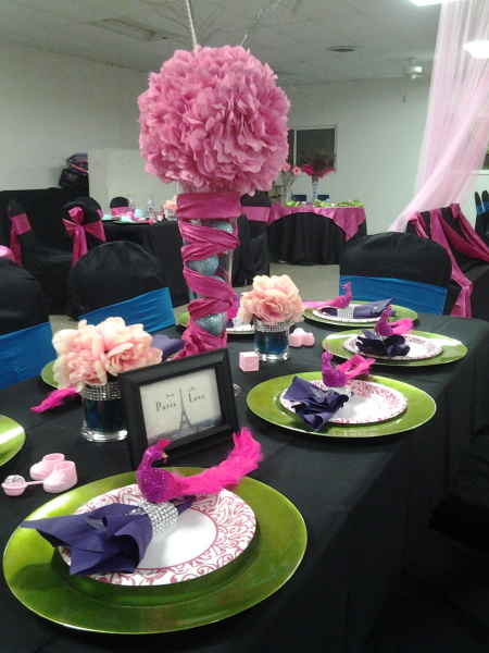 Peacock Themed Baby Shower, Guest Table
