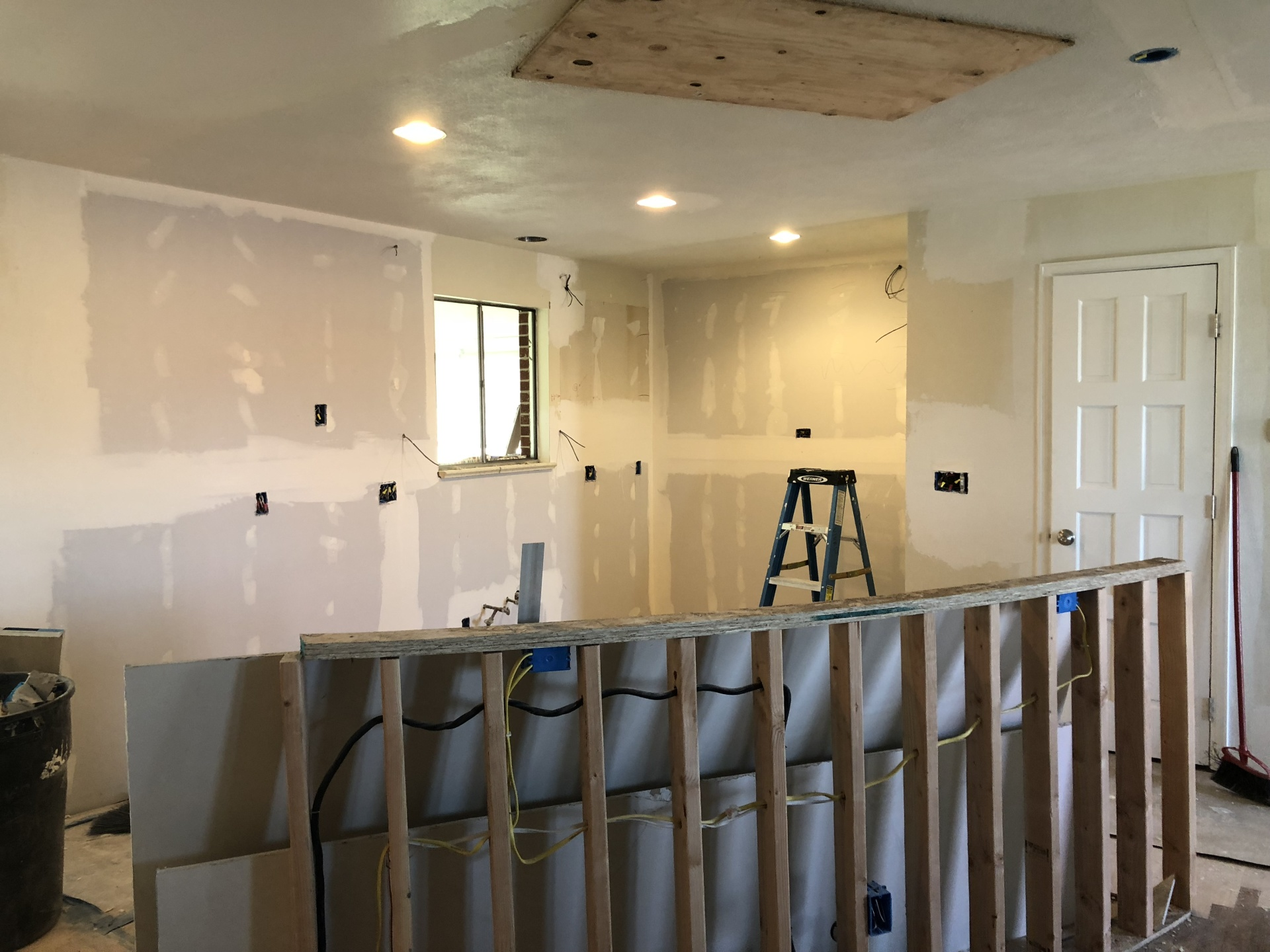 FULL KITCHEN ELECTRICAL SERVICE REMODEL