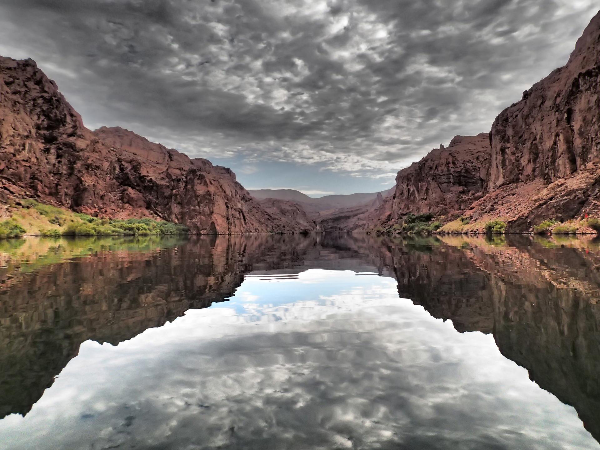 Paddling to Arizona Hot Springs