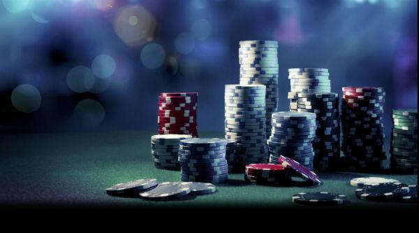 Main dengan santai di poker online