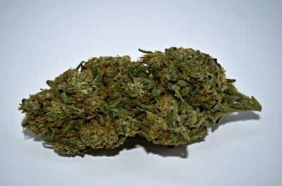 Cali Girl Cannabis on white backround with review