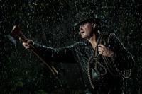 Portrét v umělém dešti.