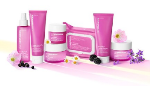 Important women face moisturizer implemented pink beauty set