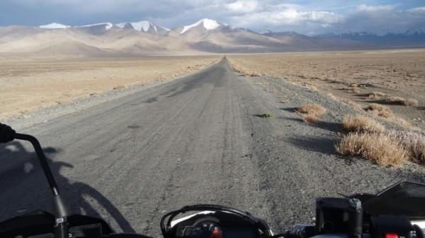 Pamir highway by motorbikes Kg + TJ