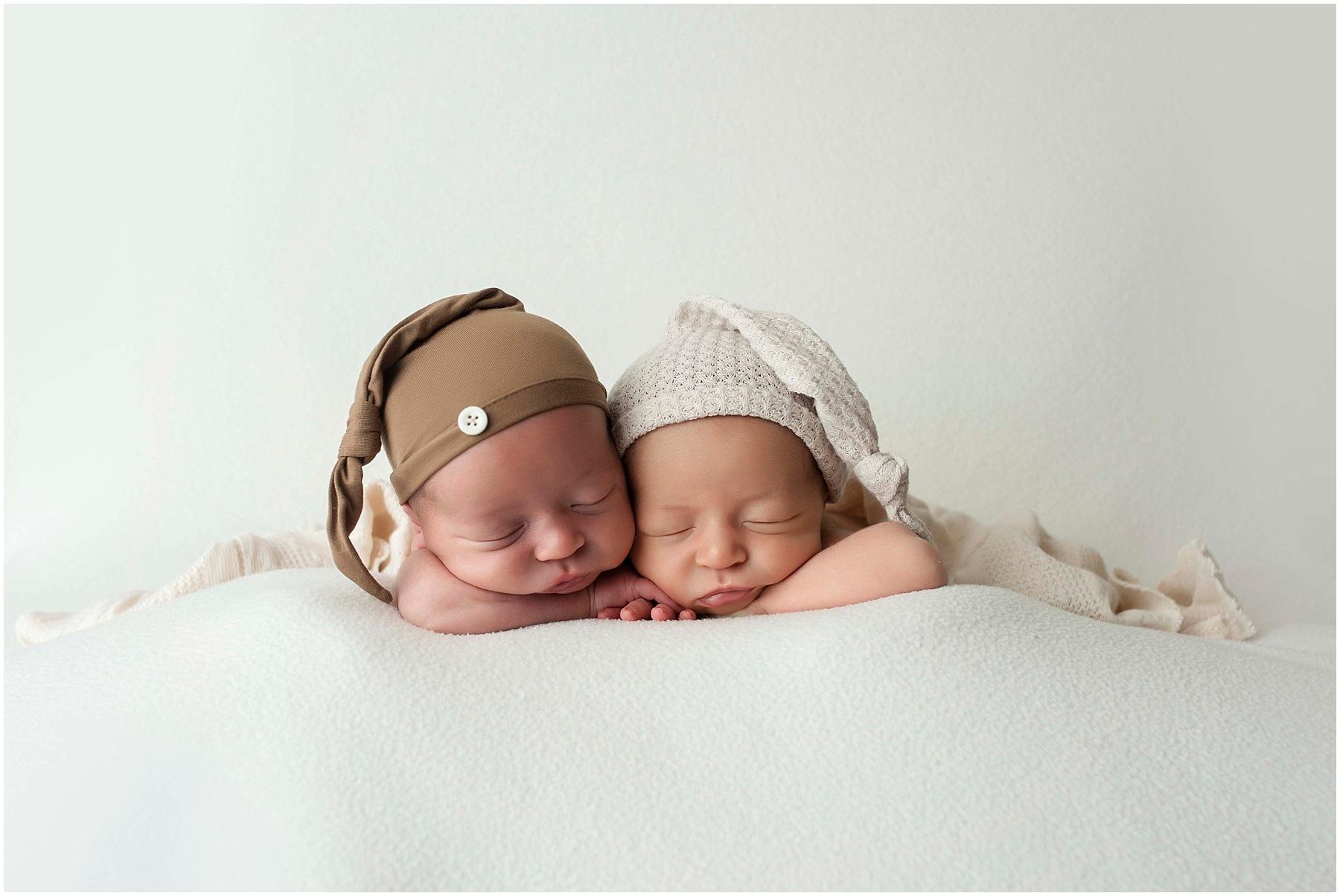 Garbarino Twins {Baton Rouge Twin Newborn Photographer}