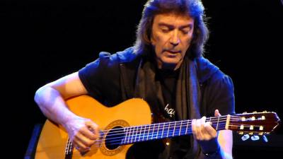 Let's Rock Chats with Steve Hackett.