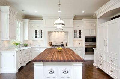"Find Kitchen design trends and remodel ideas and expert advice on your Kitchen remodel upgrades in Sarasota, Venice, Longboat Key, Siesta Key, Lakewood Ranch, Osprey, Nokomis, Bradenton, Englewood. We help and guide you where to start with budgets, costs, prices, quotes and estimates and average time frame that it takes to completely remodel a kitchen with a reputable kitchen remodel contractor in your area. You will find ""Kitchen remodeling Longboat Key"" advise on permits and total costs involved with kitchen designing, demolition, construction, electrical systems, plumbing installation, cabinet installation, granite countertop installations and fabulous glass tile backsplashes. With our extensive experience and reputation for quality at an affordable price, we are your best choice for Kitchen remodels in the Sarasota Florida Areas.  Our service areas also includes ""Kitchen Remodels in Englewood, FL""."