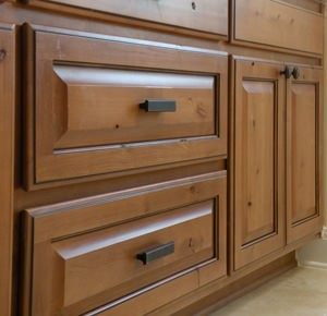 Get the real Florida Look in Kitchen Cabinets Sarasota Florida. We offer the largest selection of Cabinetry in the Sarasota and Venice areas. Factory kitchen cabinets and Custom made Kitchen cabinets.