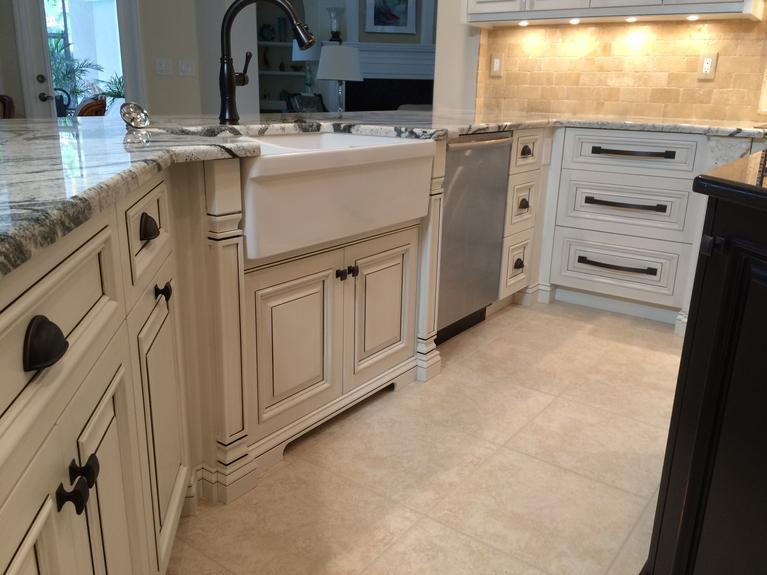 Kitchen designed and built in Venice FL