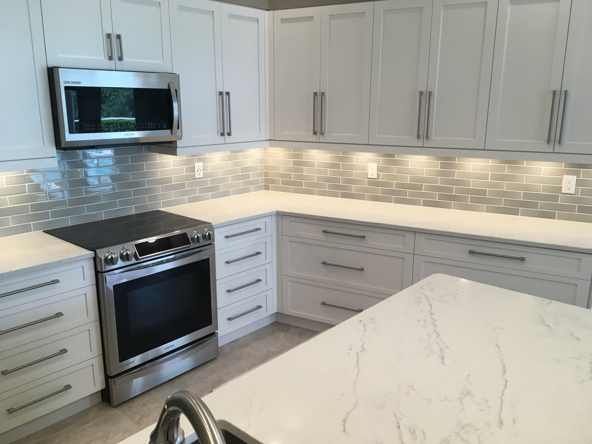 White cabinets in shaker style Sarasota FL