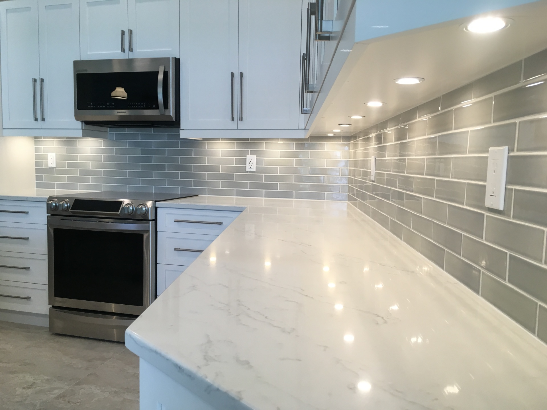Pottery backsplash
