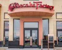 New Doors at The Cheesecake Factory Helps Improve Entry for Customers
