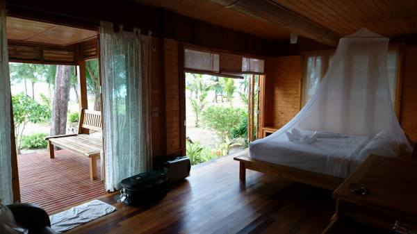 Bedroom in beachfront bungalow with AC no.25 to no.26