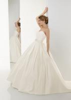 strapless plain princess ballgown wedding dress