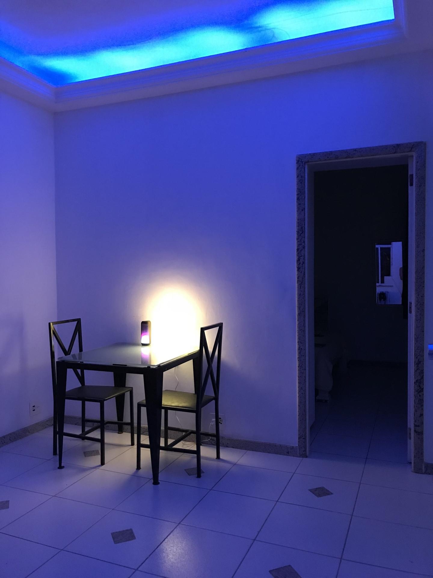 Sala: iluminação do teto LED / Living Room: LED ceiling lights