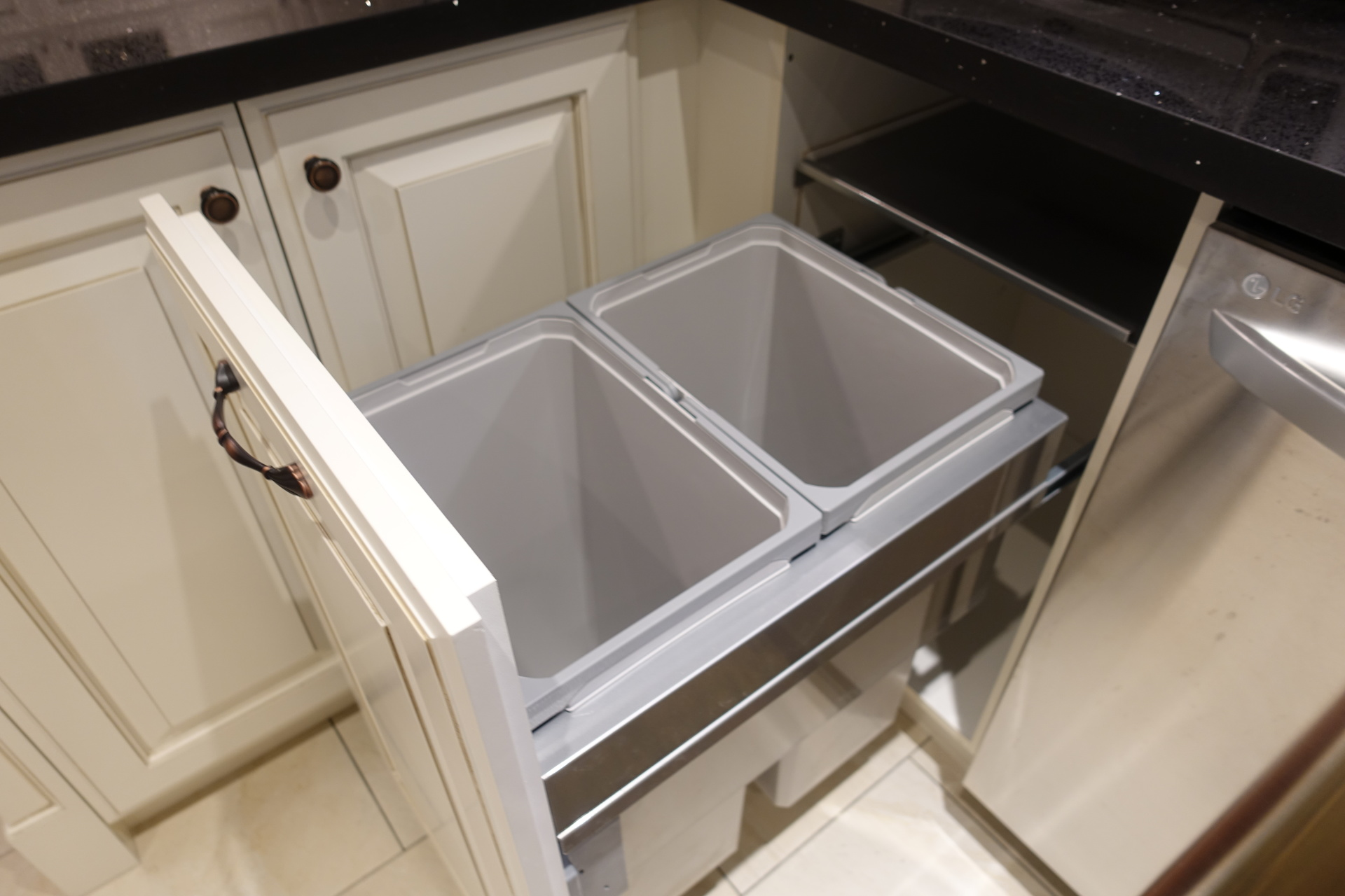 Door mount pull-out waste bin
