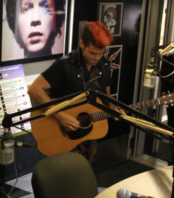 The Blackjackits Play Acoustic on FM 94.9!